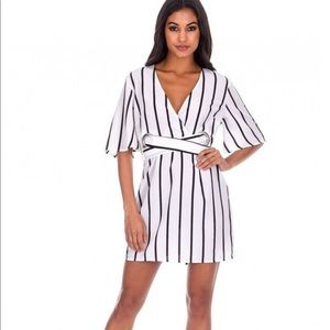 💋💋PRICE DROP💋💋AXPARIS STRIPED CREAM DRESS